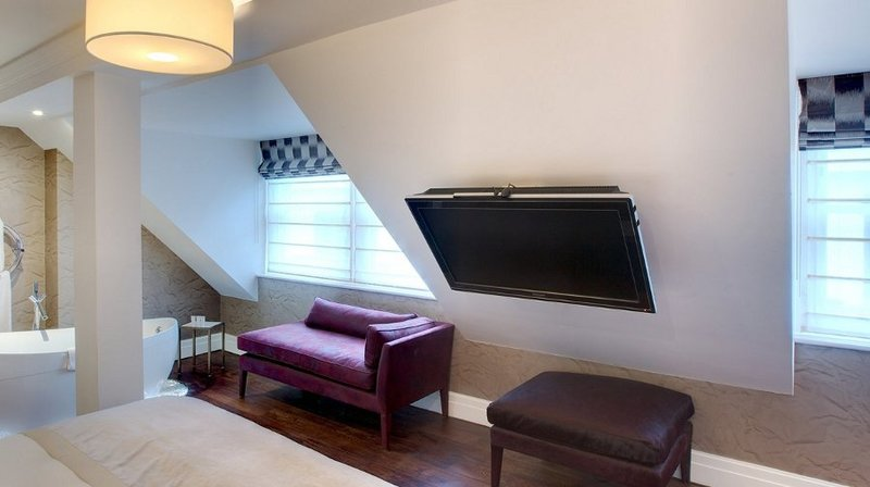 Tv moving lb supporto tv motorizzato da soffitto per - Porta tv motorizzato ...