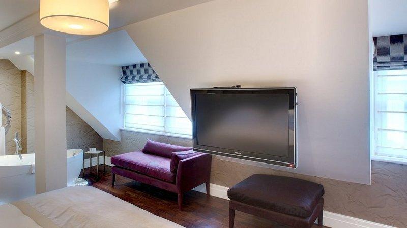 Tv moving lb supporto tv motorizzato da soffitto per
