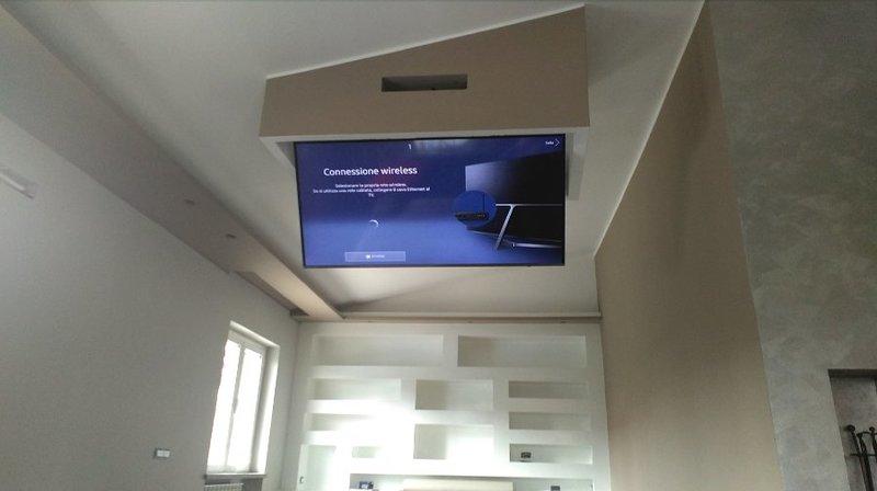 Tv Moving Ct Supporto Tv Motorizzato Da Soffitto Per Tv Scomparsa
