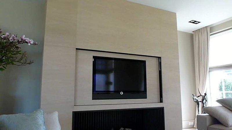 Tv moving sps meccanismo tv motorizzato speciale per tv a scomparsa nel mobile nella parete o - Tv a scomparsa nel mobile ...