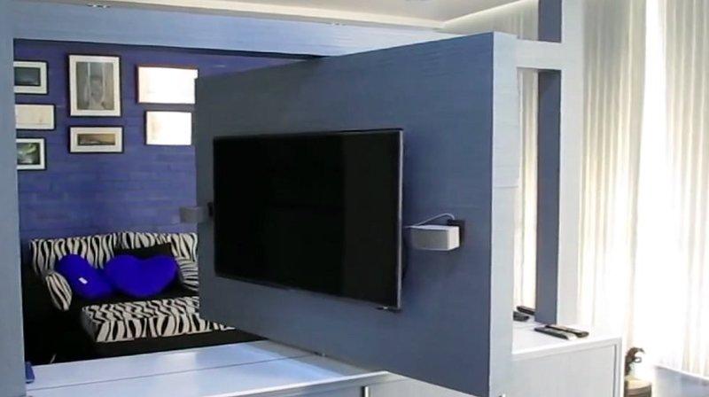 Tv moving ttr supporto tv motorizzato girevole - Supporto tv da parete ...